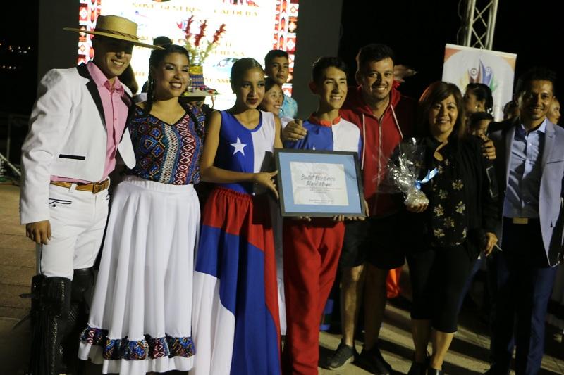 GRUPO FOLCLÓRICO HEROES DE ATACAMA REALIZÓ SU GALA EN CALDERA